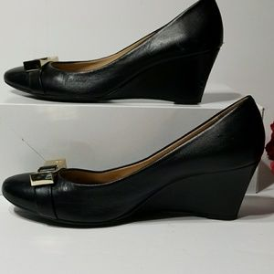 Antonio Melani low black shoe